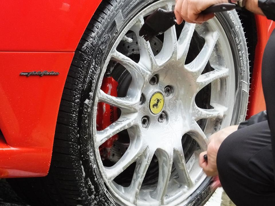 Acid Wheel Cleaners 101 – The Complete Guide To Acid Wheel Cleaning Products
