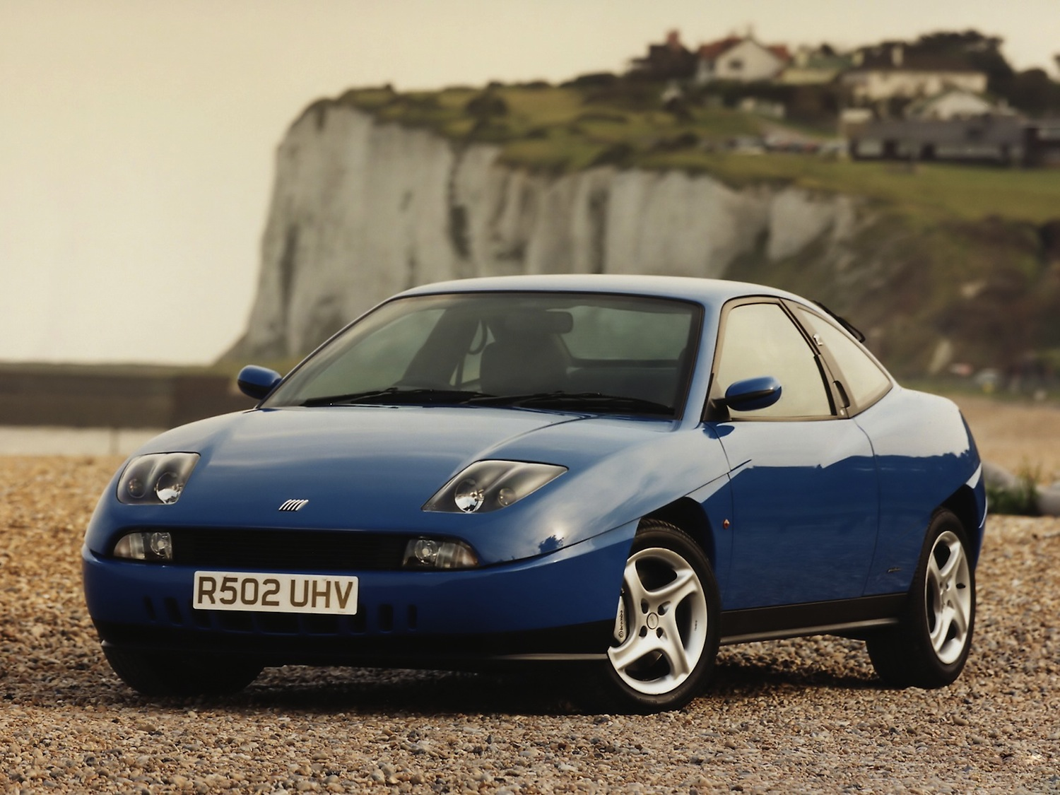 The Fiat Coupe Turbo's styling is every bit as striking (and divisive) as it was at the tail end of the '90s
