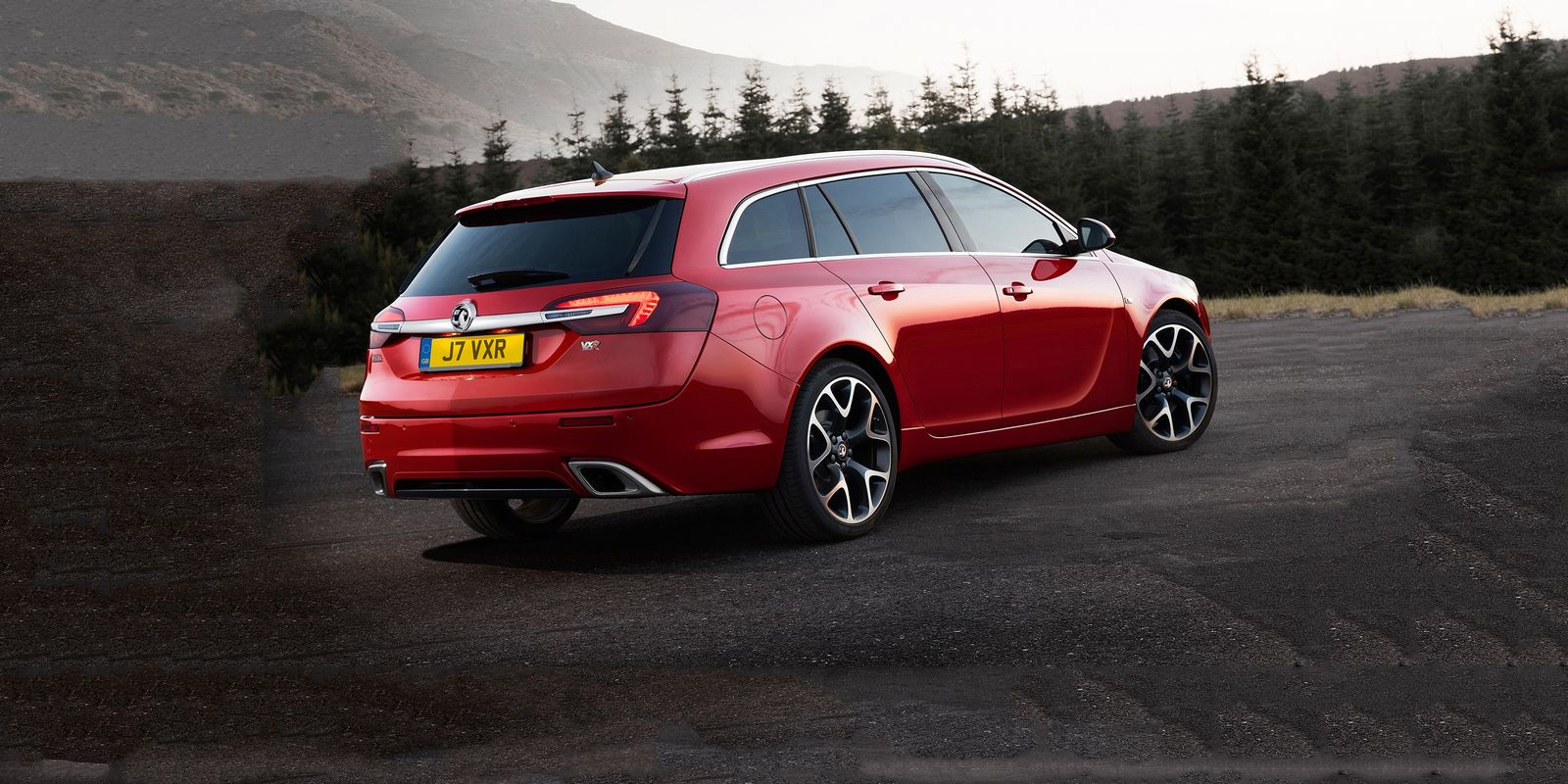 The Insignia VXR is a genuinely powerful car, capable of pulling all the way to 170mph