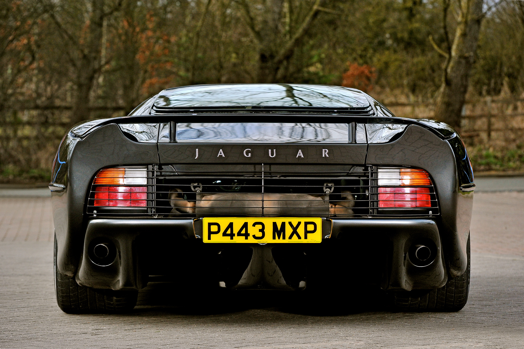 The Jaguar XJ220 - the king of the re-used car part!